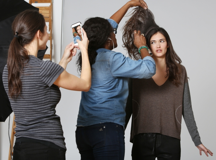 behind-the-scenes-model-photo-onset